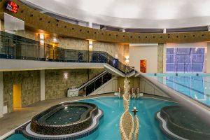 Sanatorium Belorus Schwimmbad mit Whirlpool