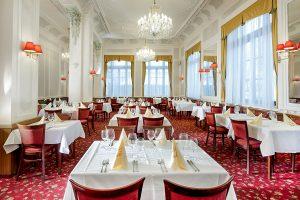 Chateau Monty SPA Resort Restaurant Montgomery & Kolonnade