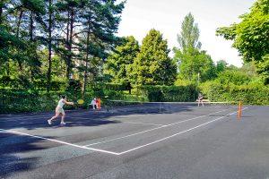 Kristallpalast Tennisplatz